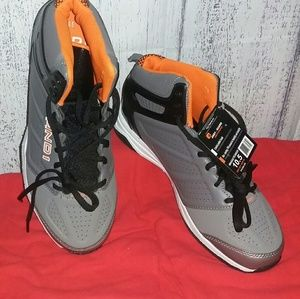 AND 1 NWT Mens Sz 10.5 Athletic Shoes  Grey